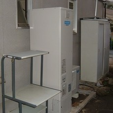 兵庫県尼崎市 電気温水器からエコキュートへの取替え工事サムネイル